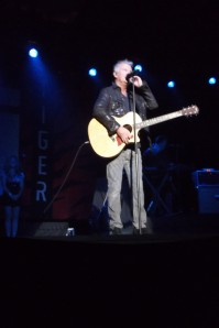 Alan Frew of Glass Tiger tells one of his many musical tales.